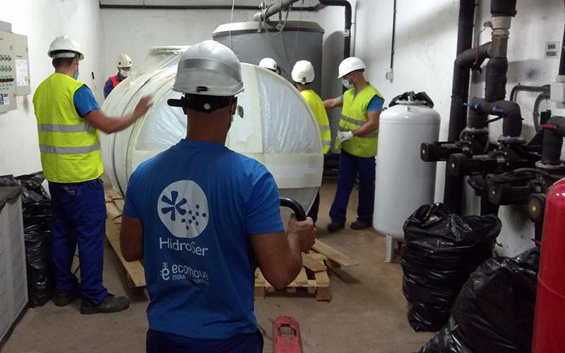 Reforma en Sala de Máquinas de producción Agua Caliente Central en Edificio de Viviendas